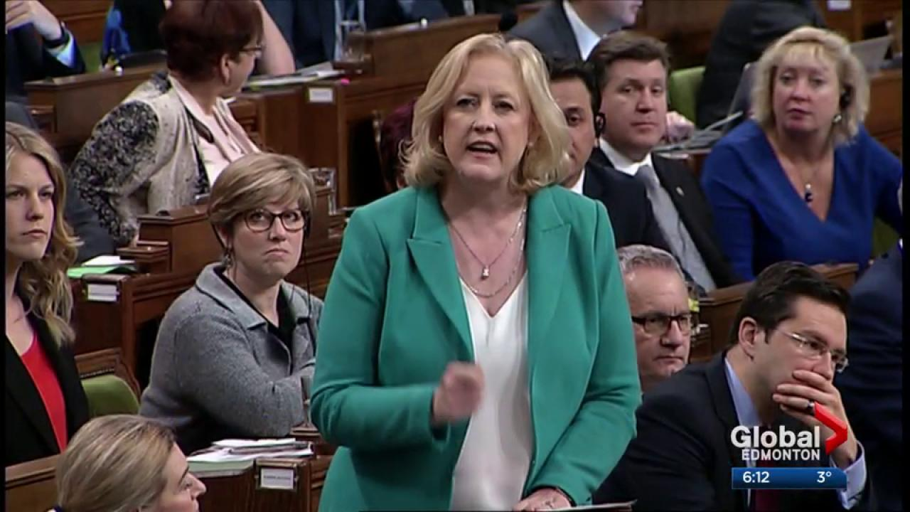 Notley giving BC, Ottawa 'a little space' to discuss BC pipeline issue