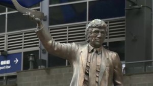 Meet the sculptor behind the statues outside Rogers Arena