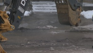 Raw video: Water main break in Montreal