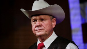 Roy Moore publicly denies report of sexual assault allegations