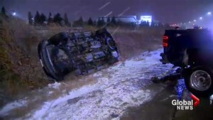 First snowfall of the season in the GTA makes for a slippery commute