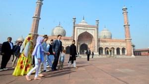 Trudeau tours Delhi mosque as controversy swirls around India trip