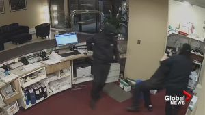 Brazen robbery at Saanich hotel caught on camera