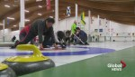 New Canadians try out curling for the 1st time