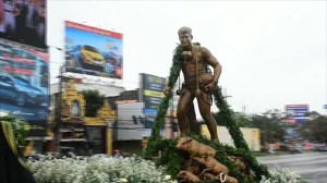 Statue unveiled for former Thai Navy SEAL diver who died as he worked to rescue boys trapped in cave