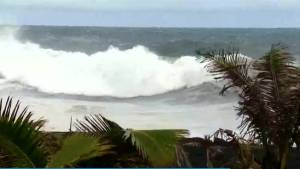 Weakened Hurricane Lane dumps heavy rain on Hawaii