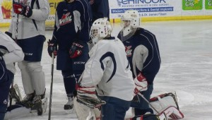 Lethbridge Hurricanes hand reins to 2 rookie goaltenders