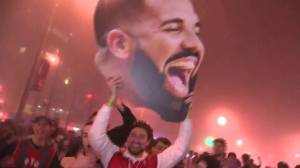 Toronto Raptors fans fill downtown Toronto after Game 6 win