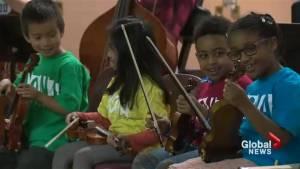 Edmonton kids graduate to real instruments in YONA-Sistema program (00:23)