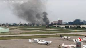 1 dead after small plane crash at Buttonville Airport