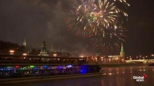 Moscow's Red Square lights up with New Year's fireworks