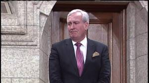 Kevin Vickers receives raucous standing ovation on return to House of Commons