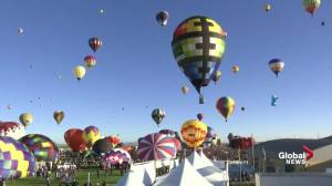 Albuquerque festival peppers sky with colourful hot-air balloons