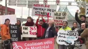 Cyclists protest closing of Jacques Cartier Bridge bike path