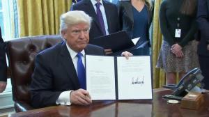 Trump signs executive order approving Keystone XL, Dakota Access pipelines