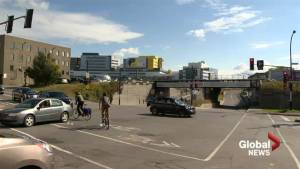 Residents concerned about dangerous Decarie intersection (02:01)