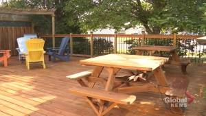 Staining 101: giving your deck a fresh look (02:31)