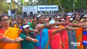 Women in India form 'human wall' for equal rights