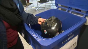 Helping hand gives newcomers in Winnipeg the chance to skate for the first time