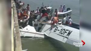 5 dead after seaplane crashes into highway bridge in China (00:29)