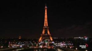 Eiffel Tower goes dark as tribute to Charlie Hebdo victims