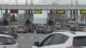 Long ferry lineups mark end of Easter weekend