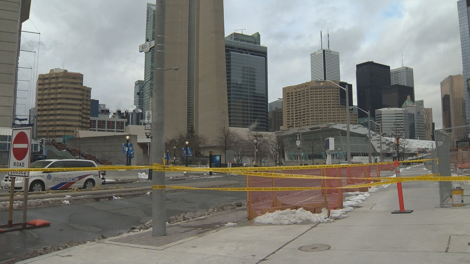CN Tower closed for fourth day due to falling ice risk