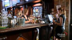 Panel to assess whether Alberta minimum wage should be lowered for alcohol servers