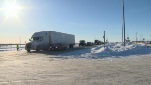 Convoy: Hundreds of big rigs pass through Winnipeg