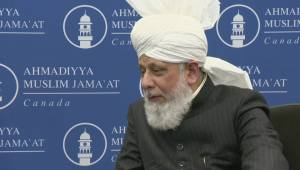 Caliph Hazrat Mirza Masroor Ahmad delivers sermon as first purpose-built Regina mosque opens