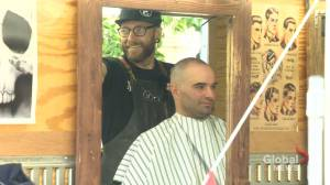 Barber providing free haircuts for homeless in Moose Jaw Sask. (01:49)