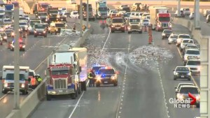 Yogurt spill causes partial closure of Hwy 401 in Toronto