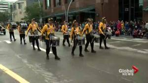 Edmonton Eskimos players, hype team, cheer team take part in K-Days Parade