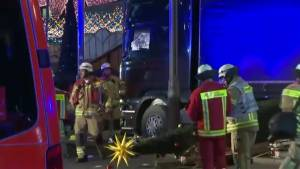 Global News BC camera operator describes scene in Berlin after truck attack leaves 9 dead, dozens injured