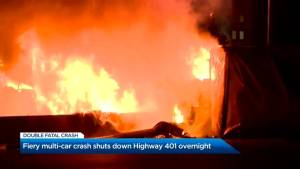 2 dead, 3 injured in fiery multi-vehicle crash on Hwy 401 in Mississauga (02:10)