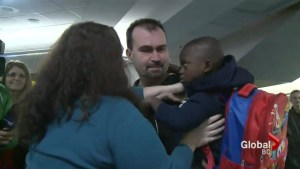 Raw: Couple finally brings son to Vancouver to start new life