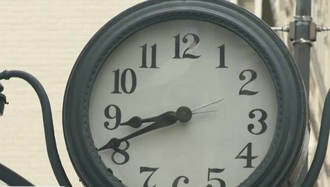 Daylight Saving Time forever? There's still time for B.C. to weigh in on the idea