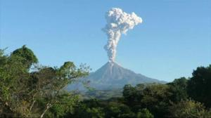 Volcano eruption prompts yellow alert in Mexico