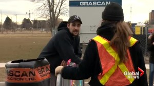 Man can't get through picket line after receiving emergency call to pick up York U girlfriend