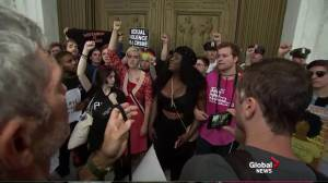 Protesters rush front of Supreme Court after Kavanaugh confirmation