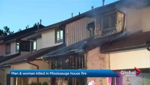 Man, woman killed in house fire at Mississauga townhouse