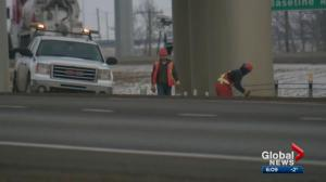 Cable barriers being installed along Edmonton's ring road