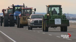 Farmers arrive by convoy to protest Bill 6