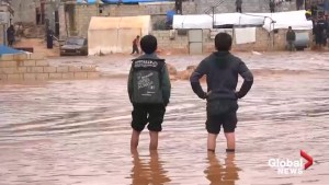Flash floods hit Syrian refugee camp