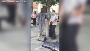 Seal joins busker in Montreal for impromptu performance of 'Stand By Me'