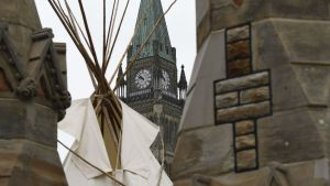 Indigenous protesters erect teepee on Parliament Hill