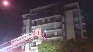North Vancouver apartment fire displaces dozens
