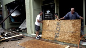 Hurricane Florence: Cleanup begins along U.S. East Coast as storm moves inland