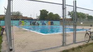 Group to fight committee recommendation to demolish Norwood Pool