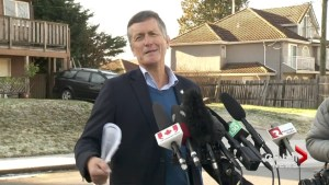 Former NDP MP Svend Robinson announces return to politics